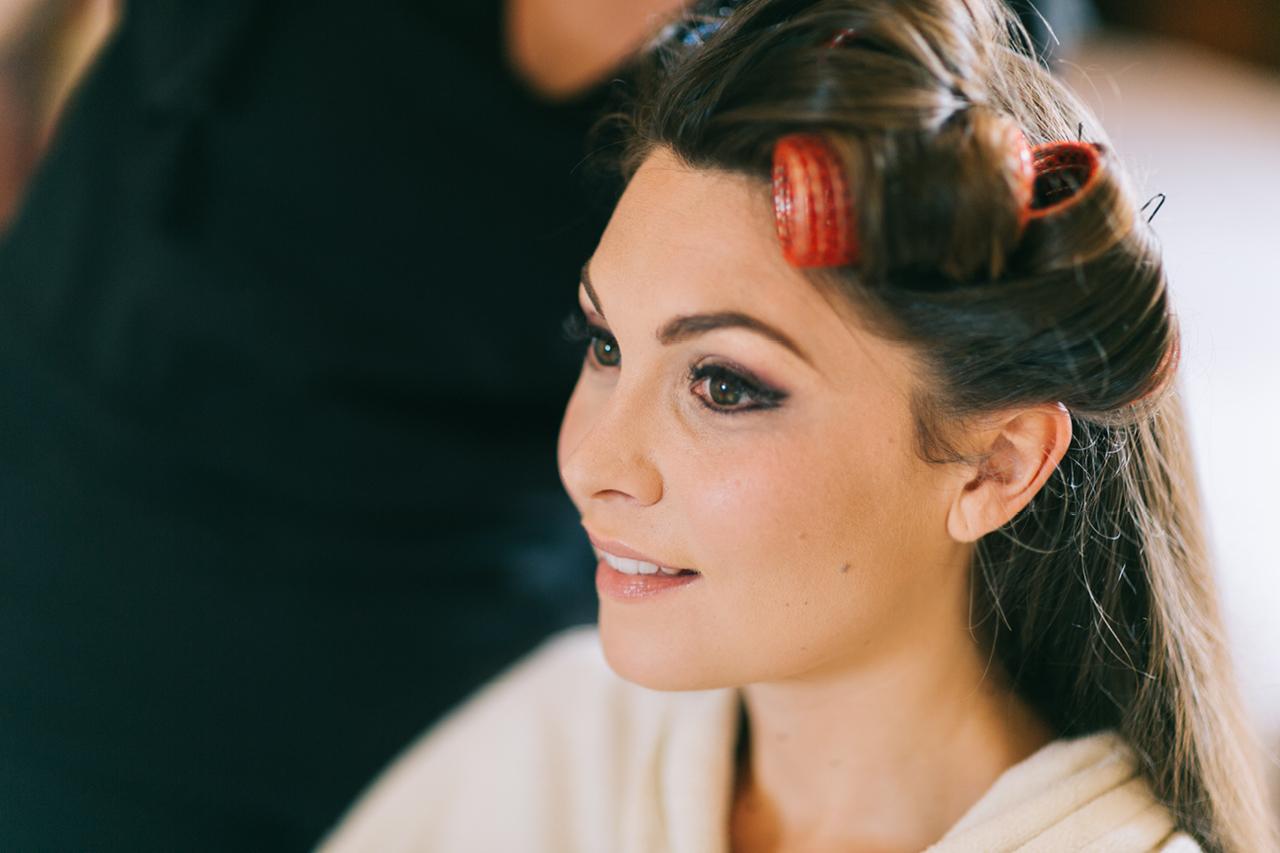 préparatifs de la mariée magnifique mariée Mariage au Chateau d'anjou en Isère photographe de mariage a grenoble