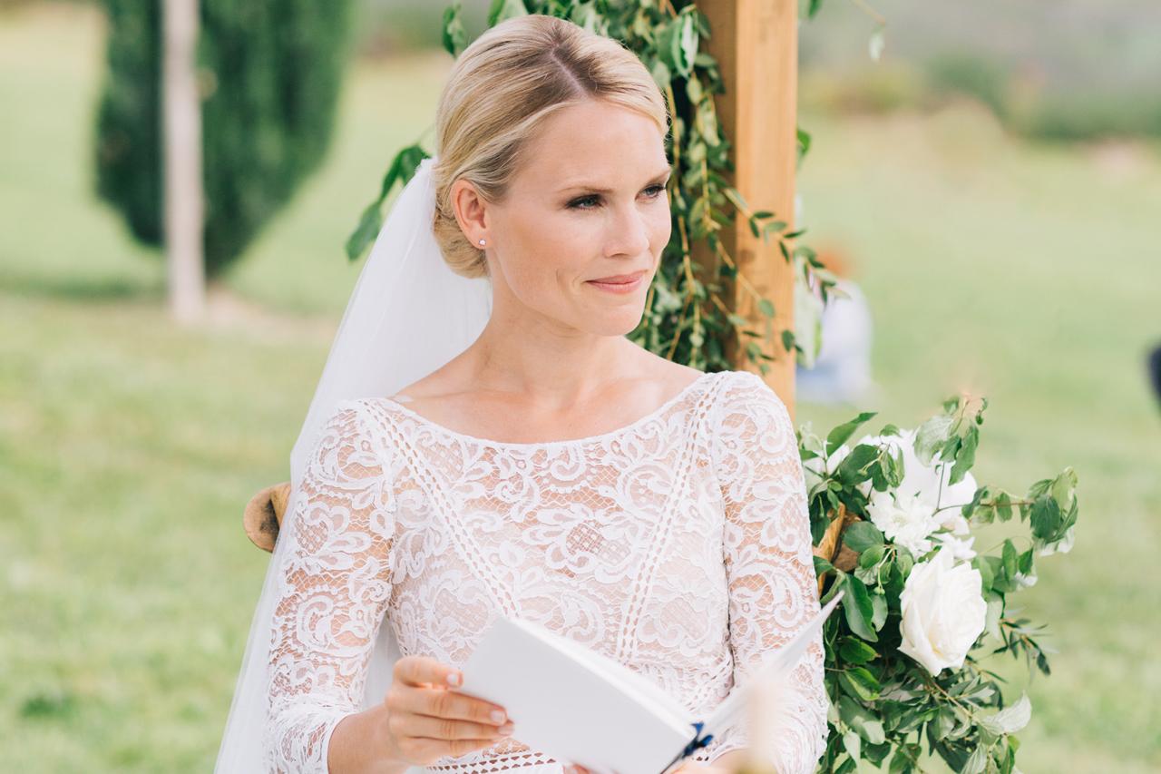 magnifique mariée robe de mariée marteaux tardits une femme magnifique les domaines de patras en provence a surieux