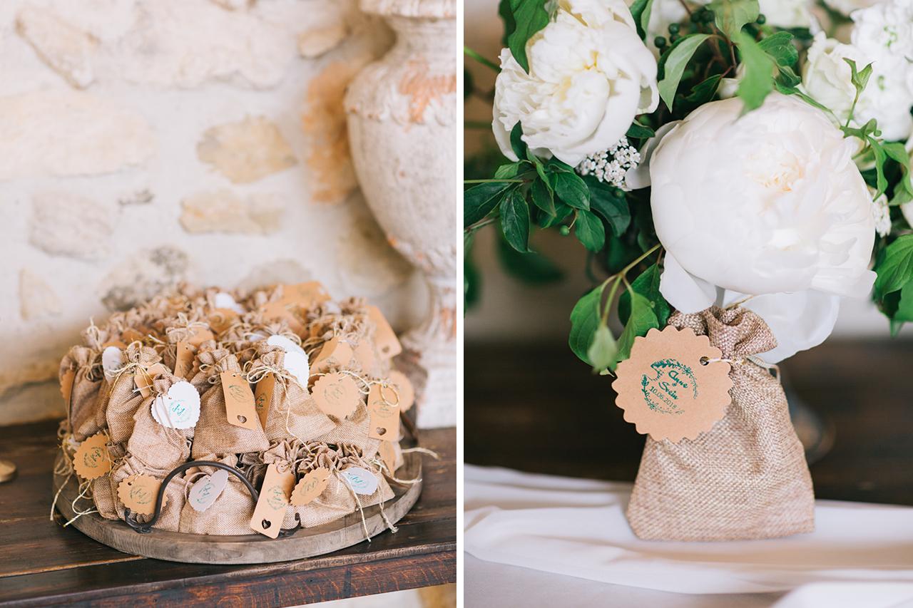 un mariage aux domaines de patras des cadeaux pour les invités et un magnifique bouquet photographe au coeur Drome provençale