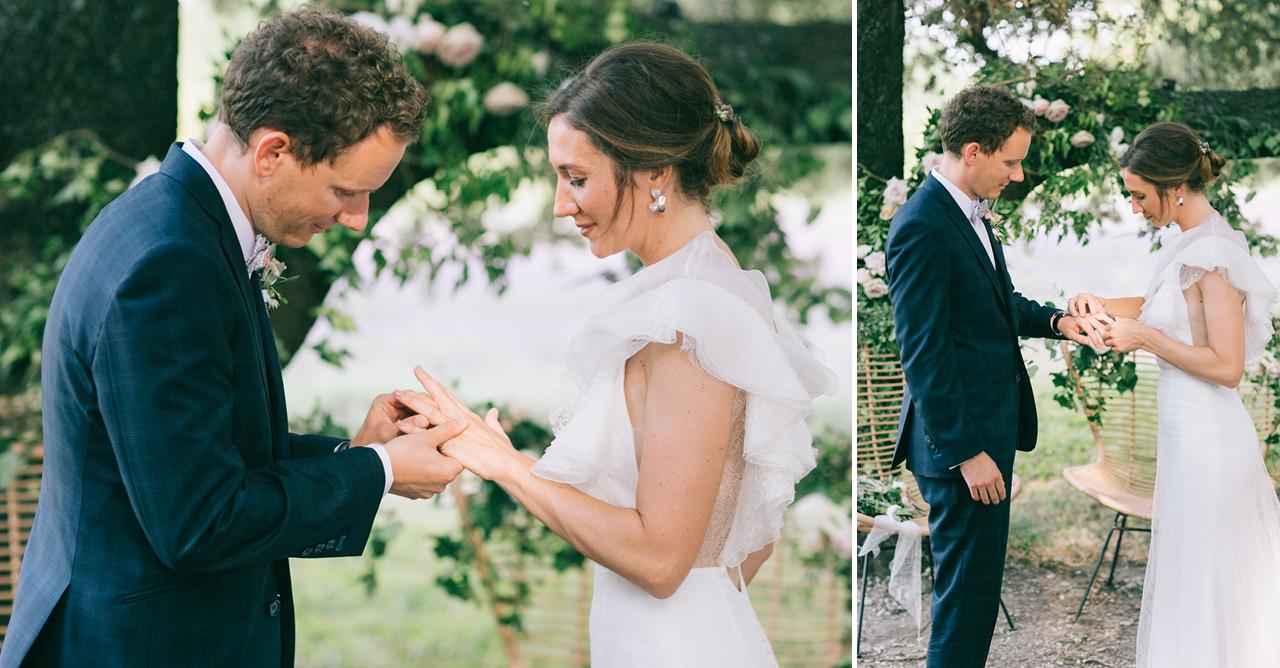 Echange des Alliances sous les arbres des mariés aux domaines de patras