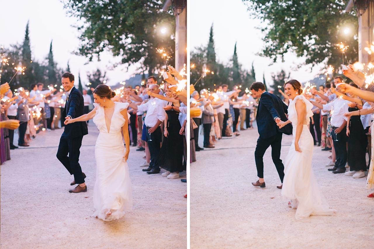 Entrée des mariés festive aux Domaines de Patras, Mariage au domaine de patras