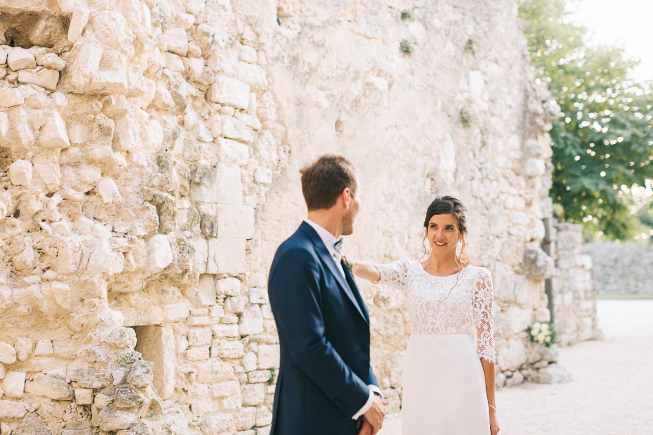 Fist Look Wedding Fine art Domaine de Sarson Robe de mariée Victoire Vermeulen Costume Homme Scabal