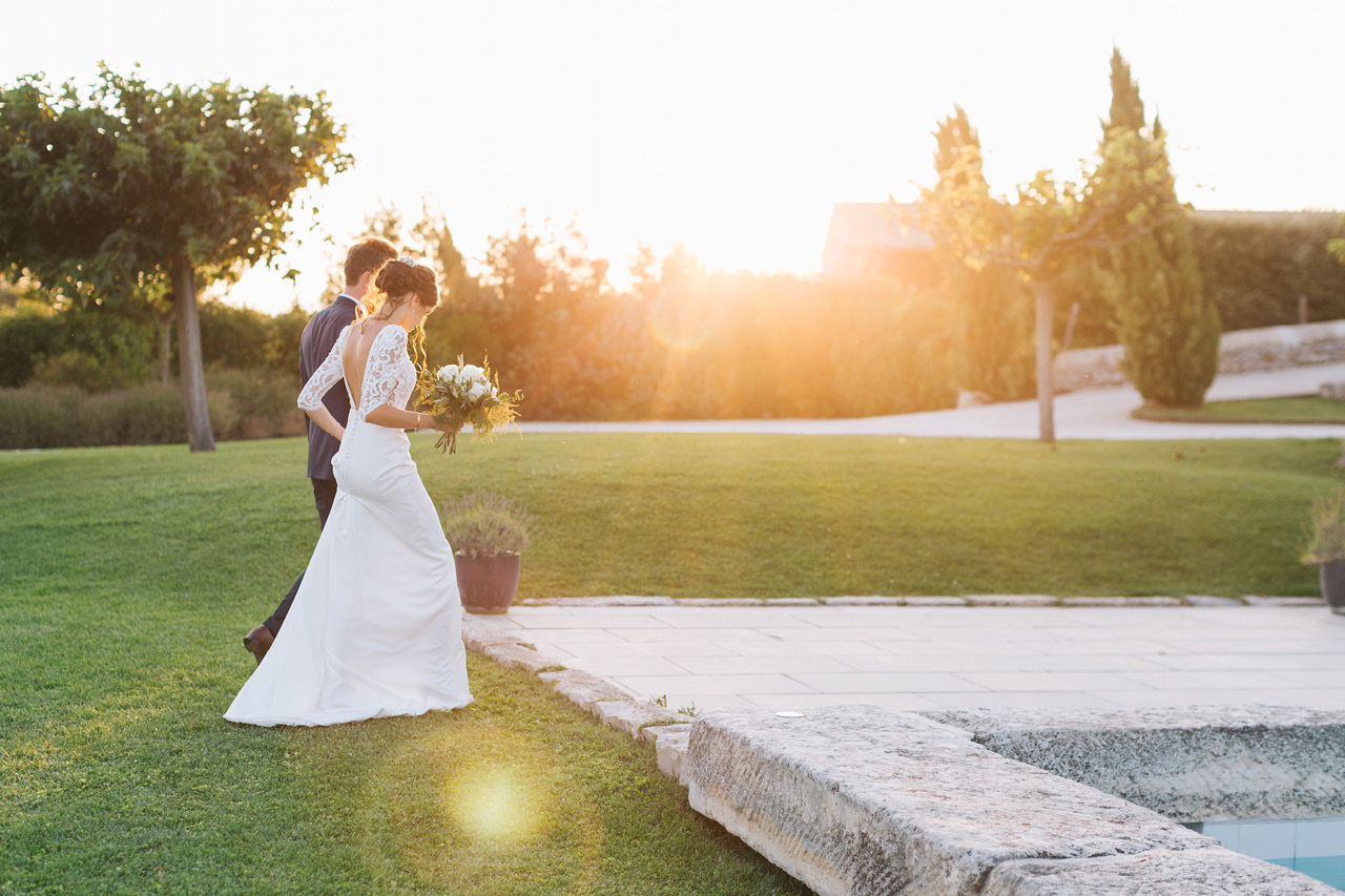 Magnifique Coucher du Soleil - Photo de Couple Mariage au Domaine de Sarson - Drôme Provençale