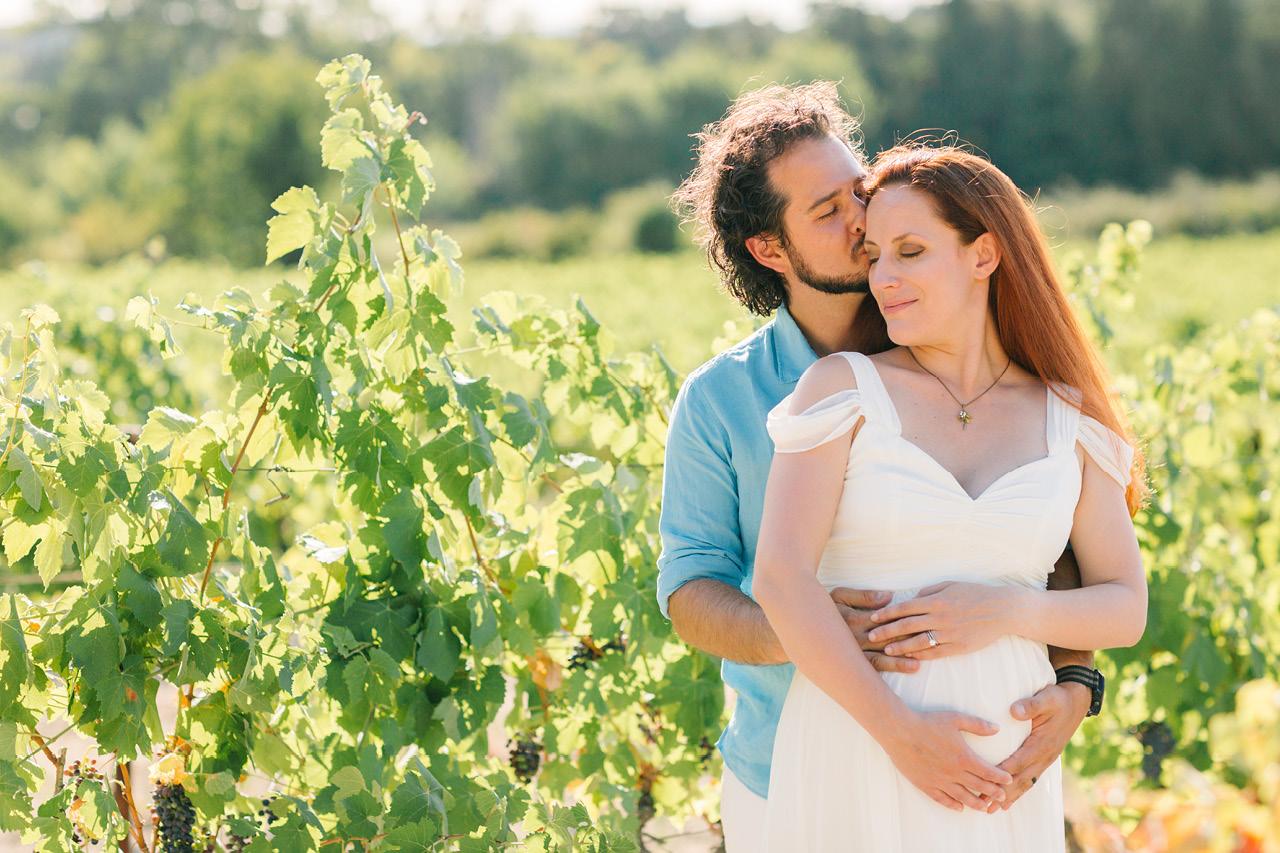 séance photo grossesse à grignan, photographe maternité provence, seance photo dans les vignes