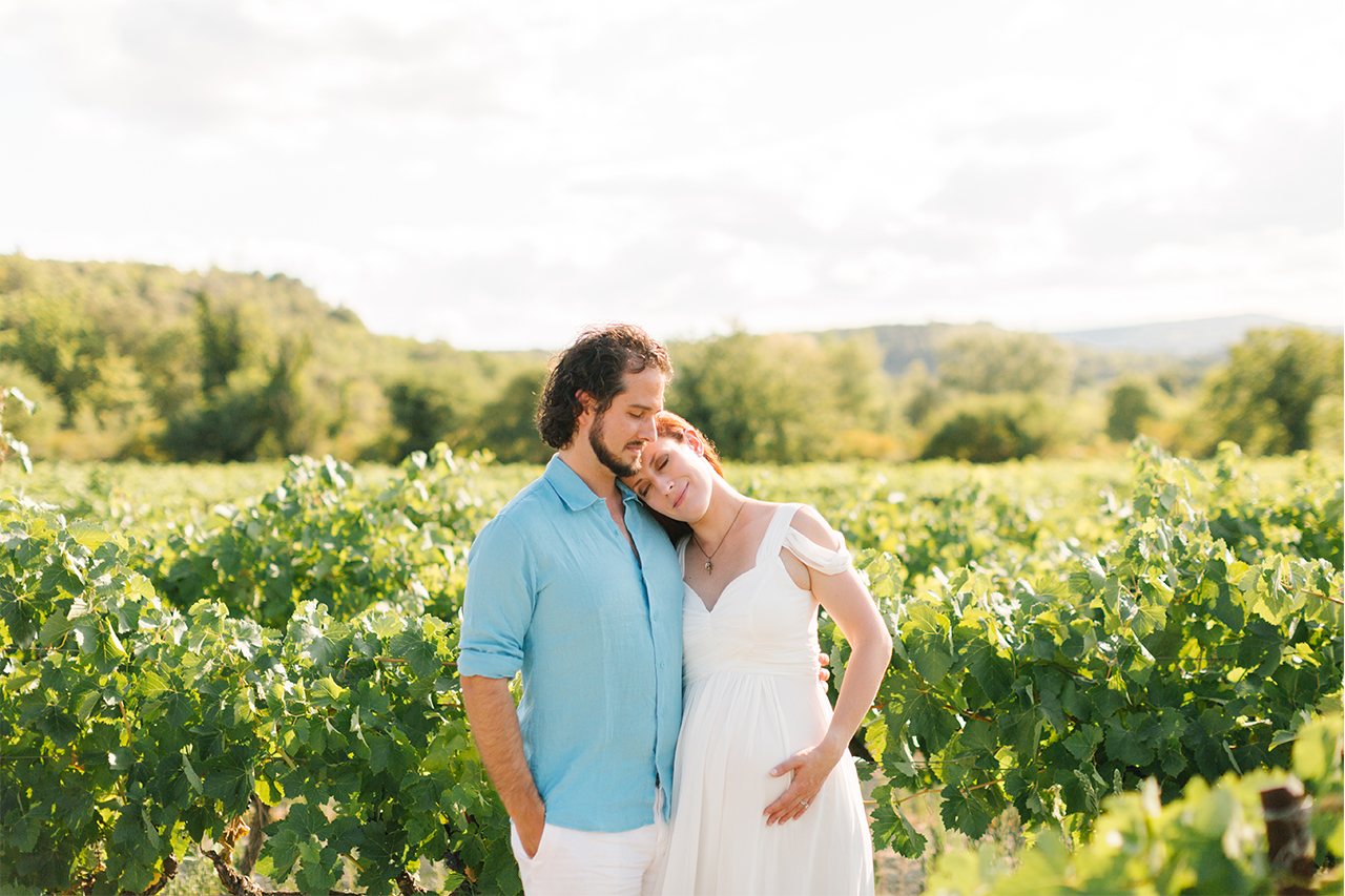 séance photo grossesse à grignan, photographe maternité provence, seance photo dans les vignes seance photo grossesse grenoble