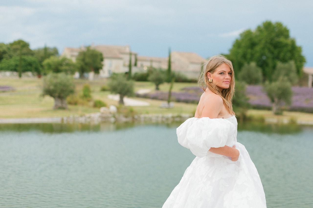 Seance photo mariage les domaines de patras, une robe rime arodaky, une mariée à patras