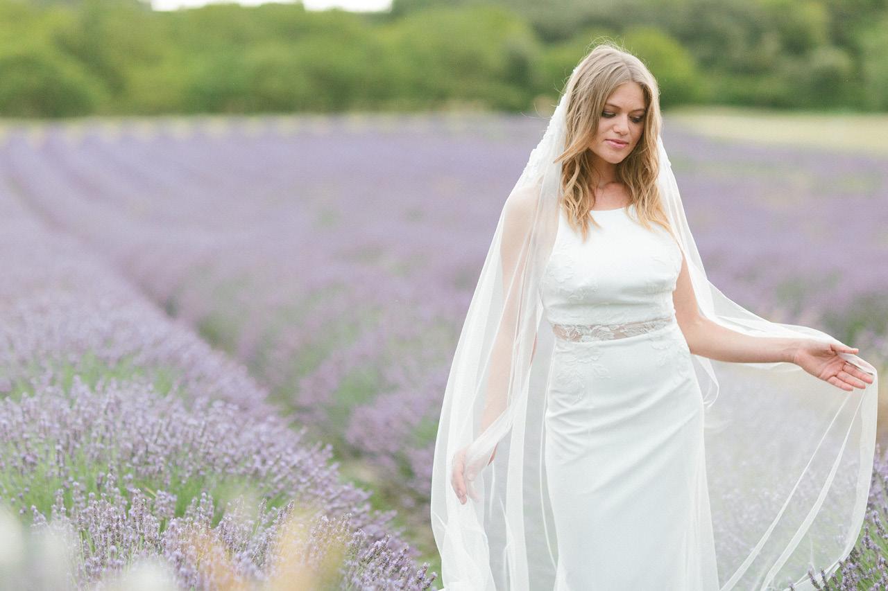 robe de mariée rime arodaky les domaine de patras